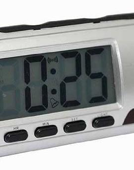 Sveglia-Spia-con-telecamera-SPY-cam-nascosta-in-una-sveglia-digitale-con-telecomando-0